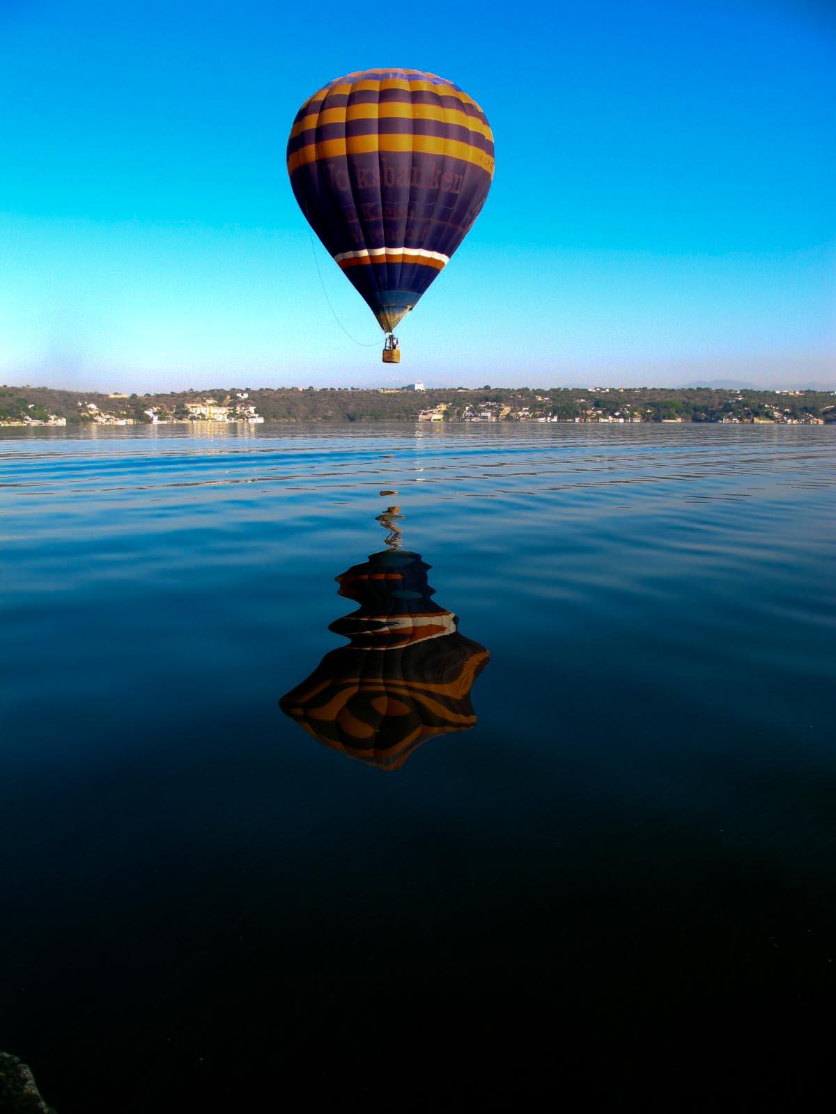 Vista de un globo en el lago de Tequesquitengo
