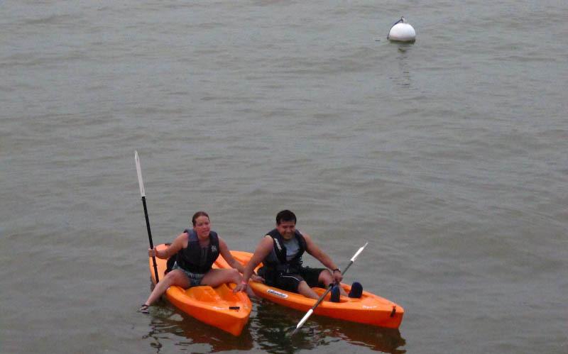 Renta de kayaks para paseos por la ribera del lago de Tequesquitengo todos los días del año desde las 8 de la mañana