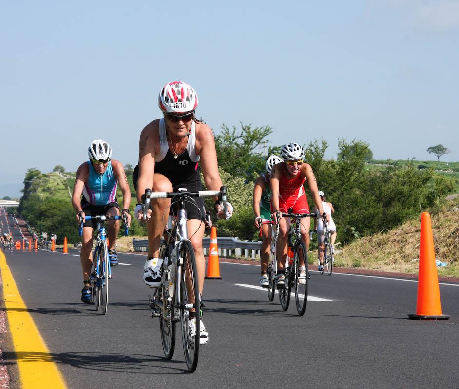 Ciclismo de ruta y montaña en el lago de Tequesquitengo, Morelos. Prácticas de triatlón en Jojutla y Puente de Ixtla